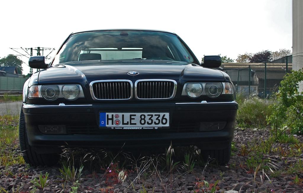 BMW 750i E38 Front