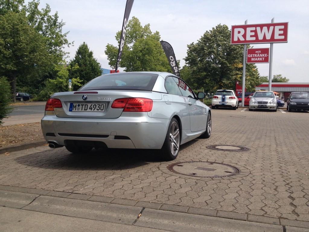 Das BMW 320d Cabriolet von hinten