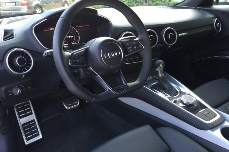 2015 Audi TTS Cockpit